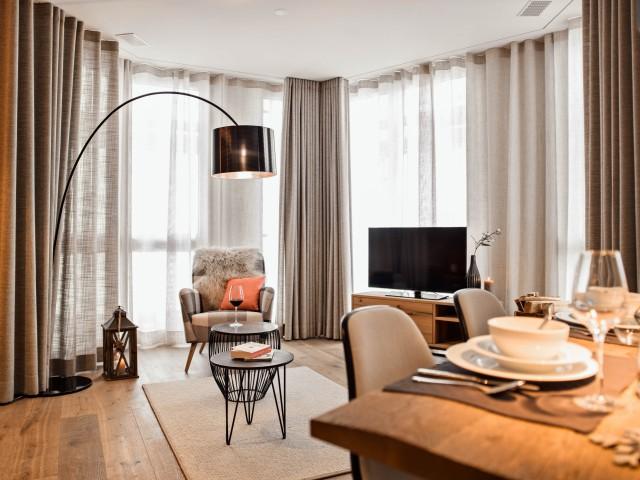 Stilvolle Wohnung mit hellem Glaserker 24400601