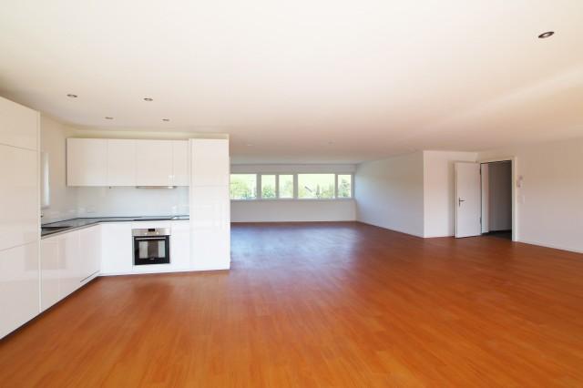 ERSTBEZUG! Gewerberäume mit Balkon, Küche, WC/DU und Keller- 24490567