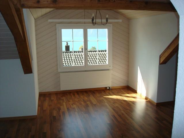 2 1/2 Zimmer Dachwohnung 21650889