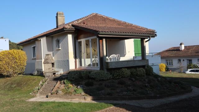 Maison avec grande surface verte dans un quartier résidentie 29182179