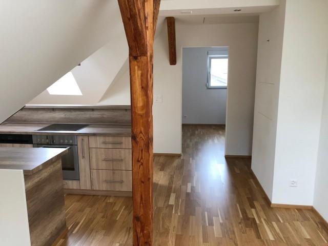 Moderne Dachwohnung in zentraler Lage 30276769