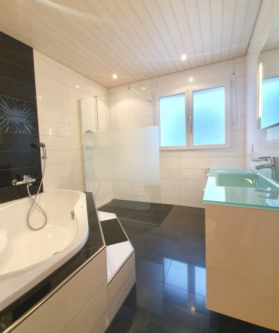 Traumhafte 4.5 Zimmerwohnung mit Weitsicht bis zu den Alpen 31507181