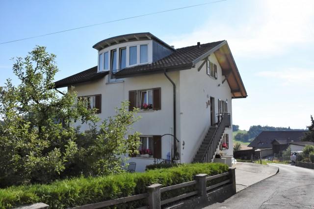 Charmantes Zweifamilienhaus mit Garten 25166464