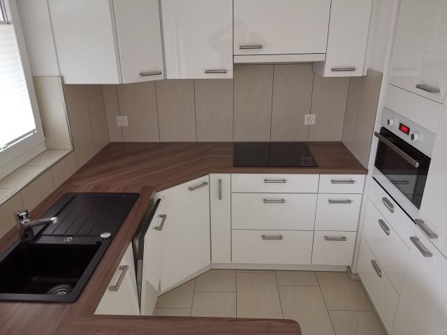 Schöne 2,5 Zimmer Wohnung mit neuwertiger Einrichtung 31848146