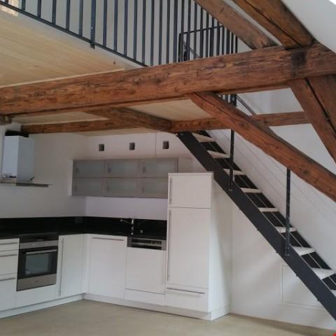 Helle, 2stöckige Dachwohnung mit grosser Terrasse in der Alt 31430258