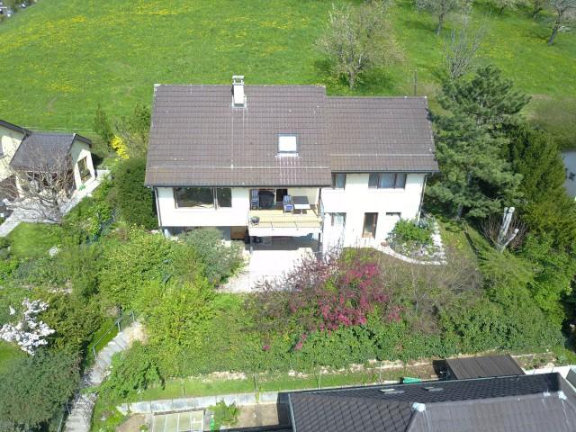 Freistehendes 9.5 Zimmer Einfamilienhaus an Südhanglage 29510239
