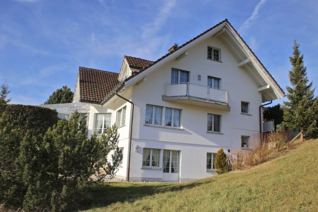Grosszügige 2.5-Zimmerwohnung an herrlicher Wohnlage! 19251104