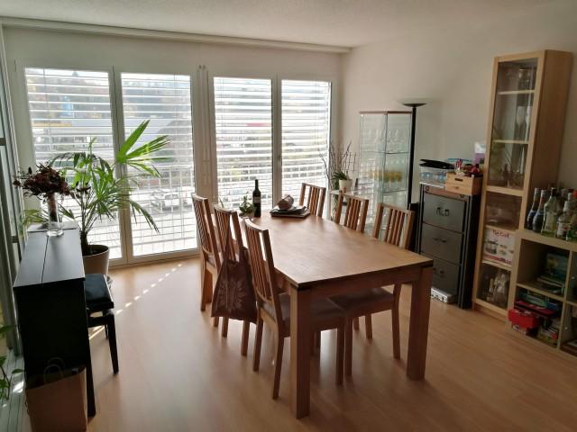 Grosszügige 4.5-Zimmer Wohnung 26707899