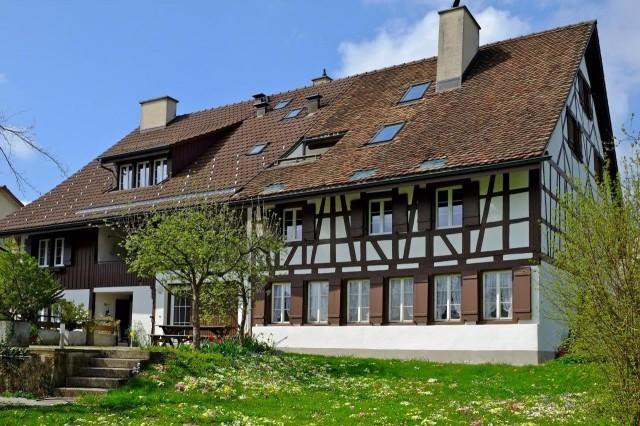 Liegenschaft Ansicht vom Garten (Südfassade)