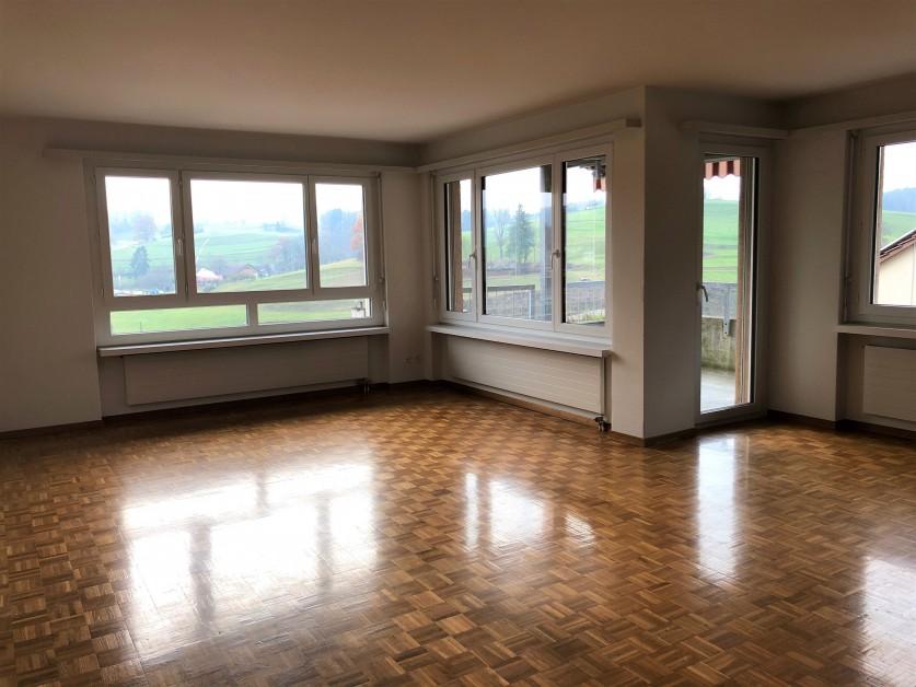 Miete: schöne Wohnung mit Sicht ins Grüne