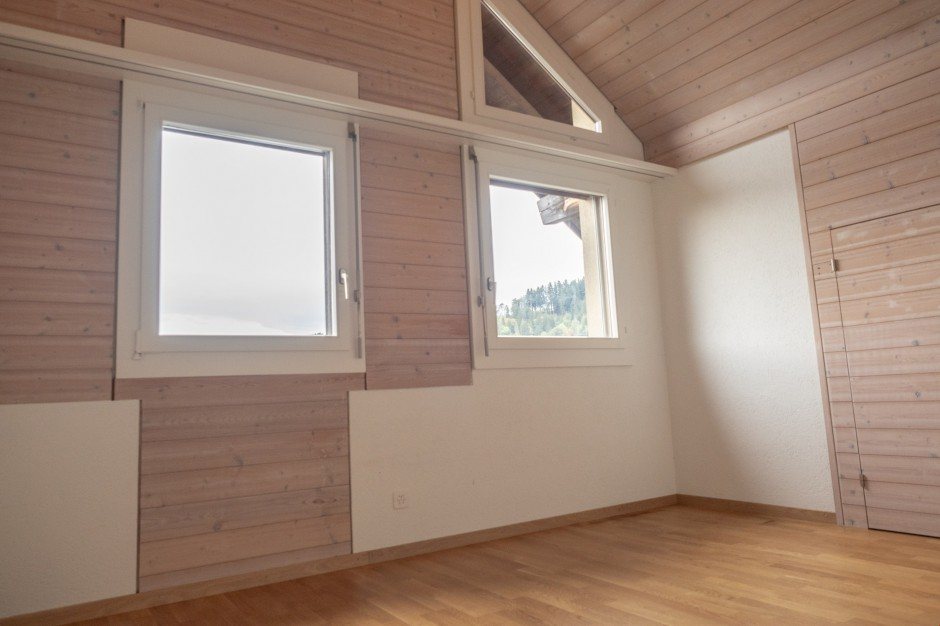 Schöne Dachwohnung zu vermieten