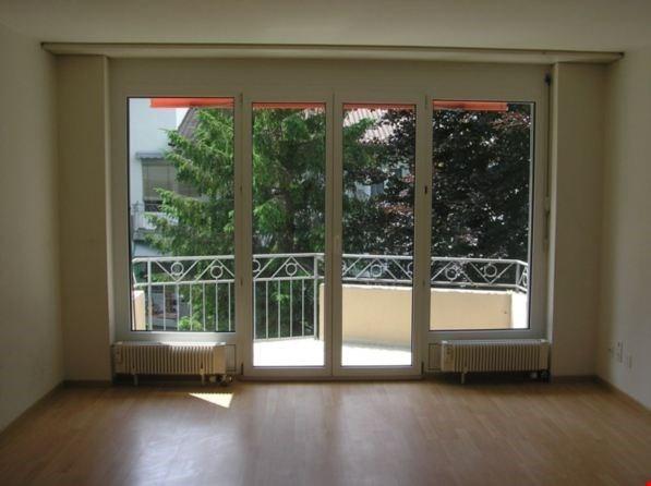 Vermietung: Wohnung mit Balkon
