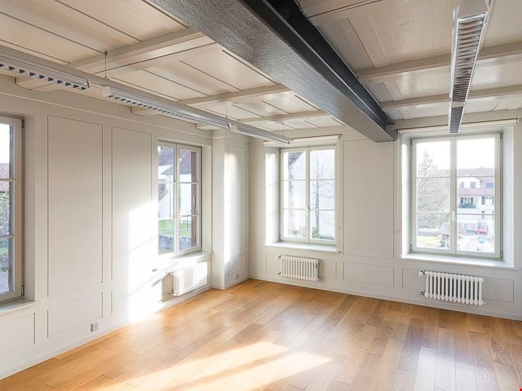 Schönes und helles Büro zu vermieten