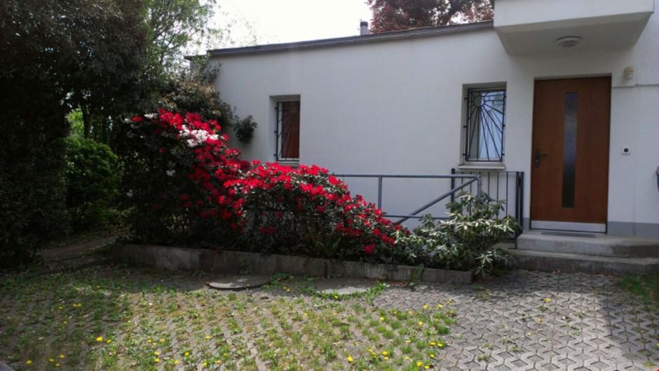 Miete: Wohnung mit Gartensitzplatz & Auto-Abstellplatz