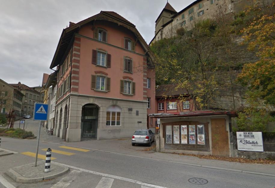 Miete: zentrale und grossz�gige Wohnung mit Balkon