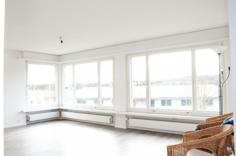 Helle, grosszügige Mietwohnung mit 2 Balkonen