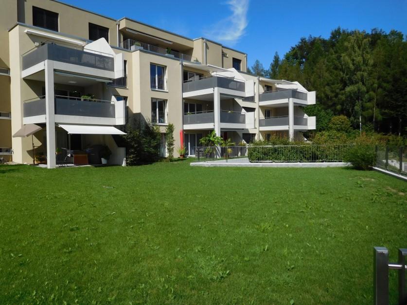 Neue, moderne Wohnung mit grossem Balkon