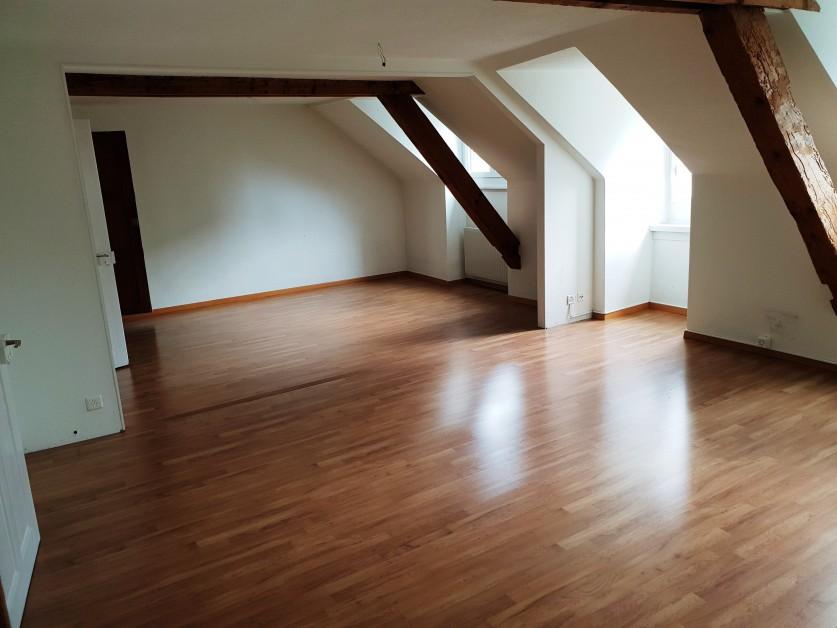 Miete: Grosszügige Duplex-Dachwohnung im Zentrum