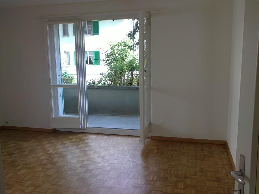 Miete: moderne Wohnung mit Balkon