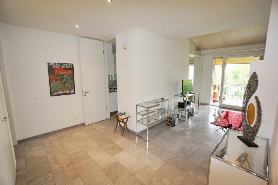 Miete: Wohnung mit Dachterrasse, Marmorböden