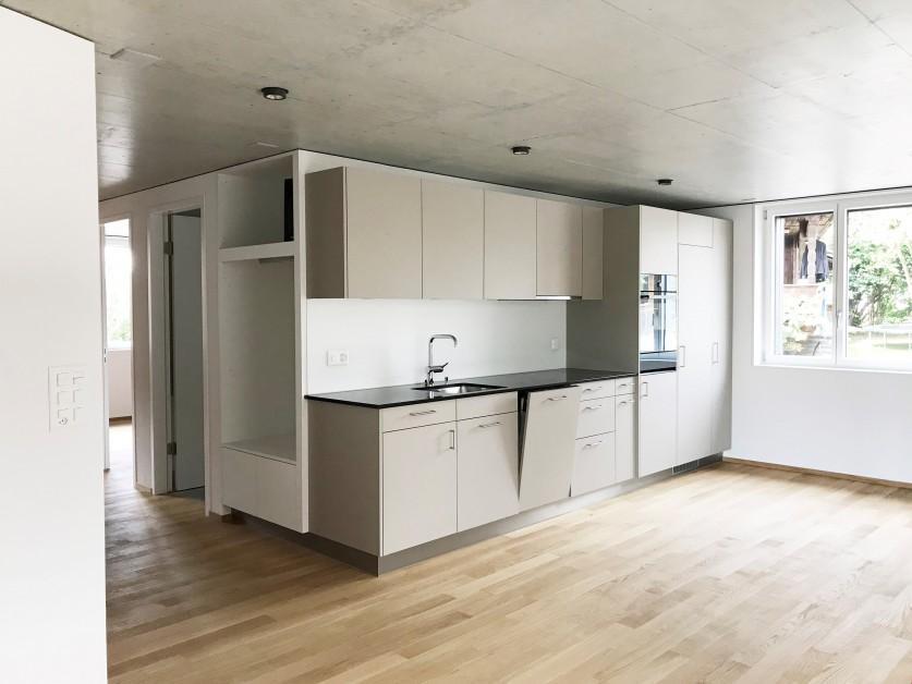 Miete: ausgebaute Wohnung mit Balkon
