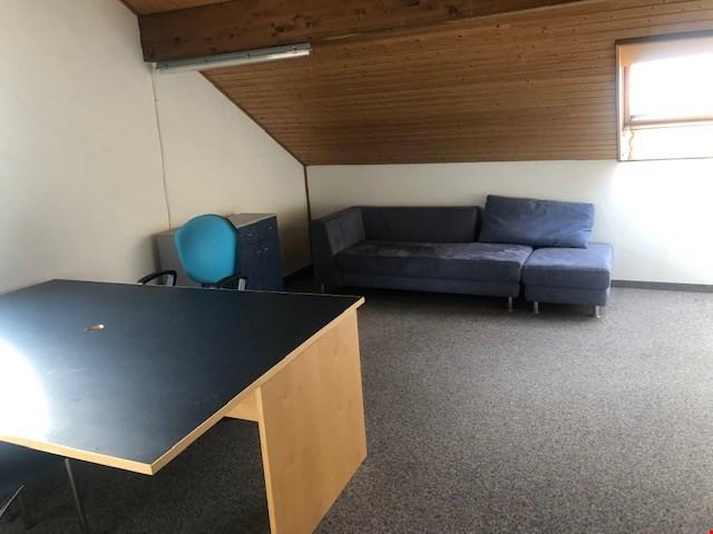 eck reihen einfamilienhaus angrenzend an. Black Bedroom Furniture Sets. Home Design Ideas