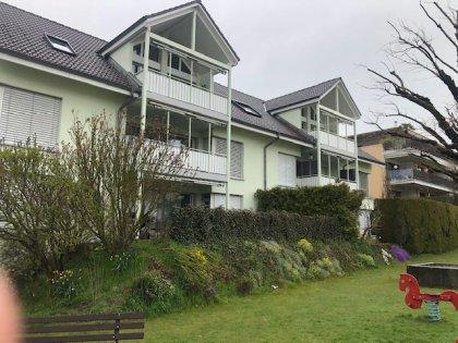 Fassade Süd mit Gartenanlage beide Hausteile
