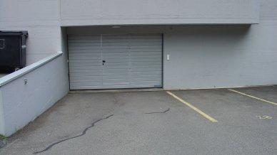 Bequeme Zu- / und Einfahrt in die Garage