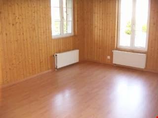 ***Grossräumige 4-Zimmerwohnung***