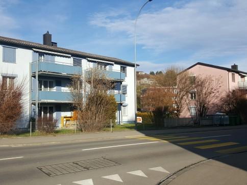 3 -Zimmerwohnung mit Balkon (12 m2)