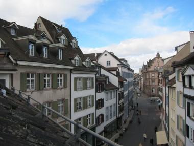 4.5 Z-WG über zwei Stockwerke in der historischen Altstadt von Basel