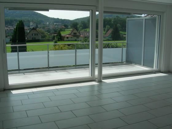Balkon/ Wohn- u. Esszimmer