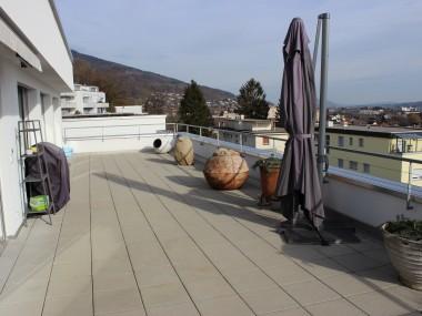 5,5-Zimmer-Wohnung mit herrlicher Fernsicht, NF 142 m2, + 2 AEHP