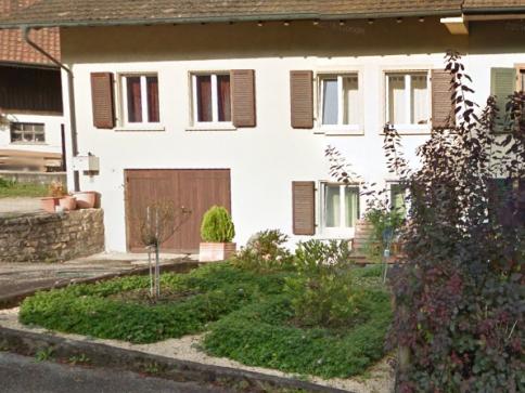 Älteres heimeliges Einfamilienhaus im Dorfkern von Nusshof BL