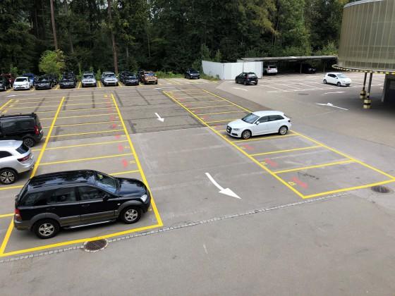 Für lange Fahrzeuge können Doppelte PP vermietet werden