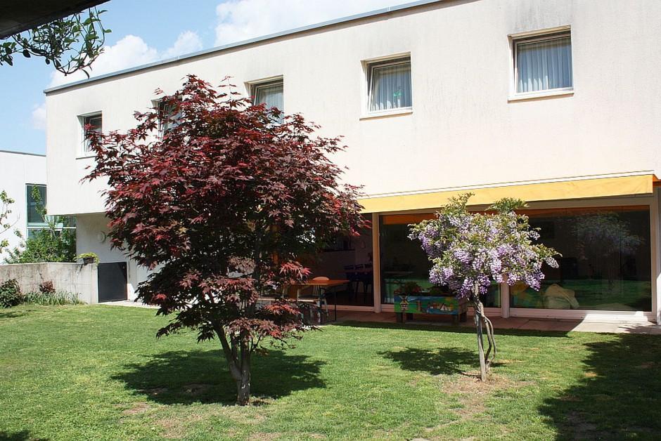Casa unifamiliare con bel giardino immoscout24 for Aprire piani casa seminterrato