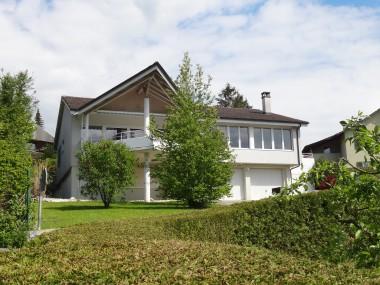 Einfamilienhaus mit Büro/Atelier an herrlicher Aussichtslage ...
