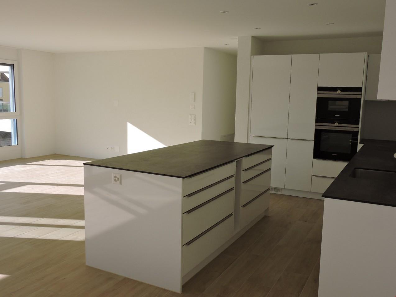 Tolle Kücheninsel Wohnzimmer Mit Blick Auf Fotos - Küchen Design ...