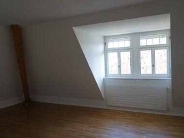 Frisch renovierte Maisonette-Wohnung in Altbau