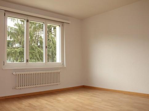 GELEGENHEIT 1 Monat gratis - Renovierte 3.5-Zwg mit Balkon