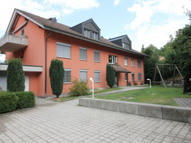 gemütliche 4,5-Zimmer-Dachwohnung mit Lift + Balkon