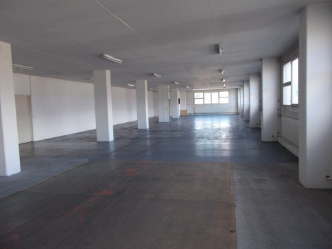 Gewerbefläche, Produktionsfläche, Lager, Büro mit Warenlift