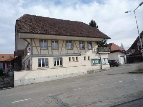 grosse 3 1/2-Zimmerwohnung renoviert in Lobsigen