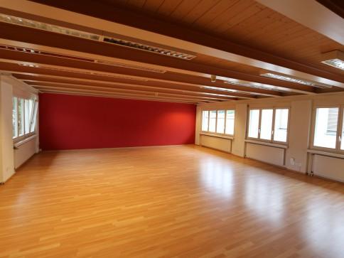Grosser, heller Büro-/Schulungsraum 75m2 mit zusätzl. 2.Etage