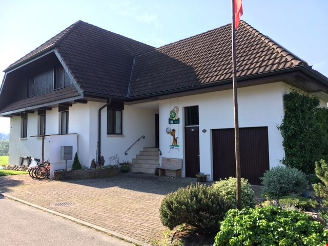 Grosses haus mit viel umschwung immoscout24 for Haus umschwung