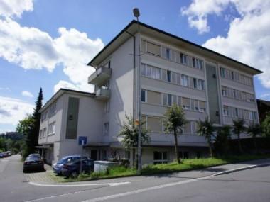 Grosszügige Wohnung befristet bis 31.03.2020