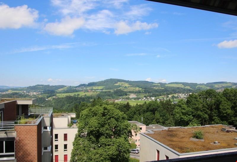Grossz gige wohnung mit balkon und fernsicht immoscout24 for Immoscout24 wohnung mieten
