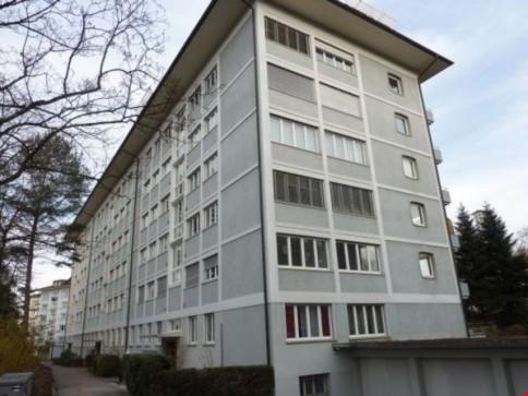 """Helle, grosszügige 2-Zimmerwohnung im """"Breitsch""""!"""