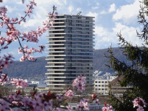 Helvetia-Tower - 4.5-Zimmerwohnung mit atemberaubender Fernsicht