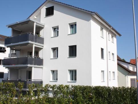 komplett sanierte 3 Zimmer Wohnung mit großem Balkon teilw. Seesicht